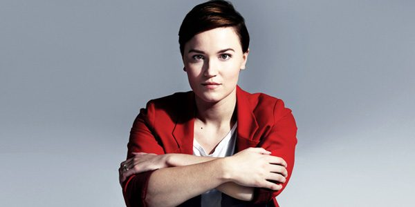 veronica-roth- Divergent Author