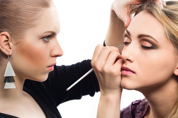 Makeup Artists Dish On Common Mistakes Must Have