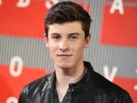 "Shawn Mendes Chats About ""Handwritten Revisited"""