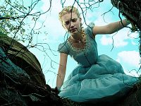 Movie Review: Tim Burton's Alice In Wonderland